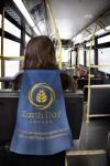 Earth Day Canada Bus cape - Street Marketing - comunica2punto0
