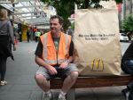 McDonald's - Massive McMuffin Breakfast, 1 - Street Marketing - comunica2punto0